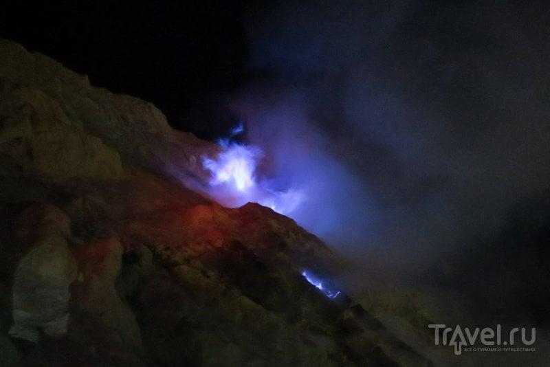 Индонезия: в кратере адского вулкана Иджен / Фото из Индонезии