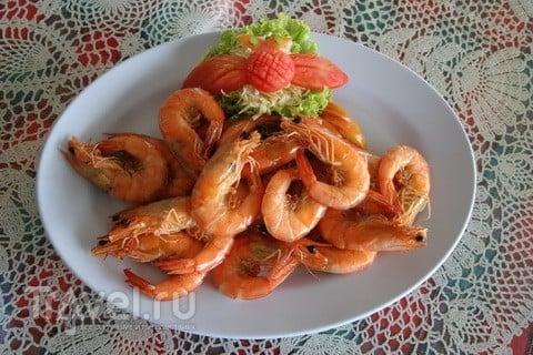 Тайская креветка. В салате и на сковородке / Таиланд