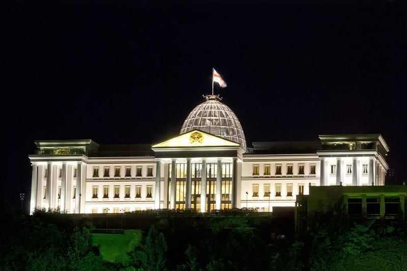 Грузия. Тбилиси. Иинтересен и самодостаточен / Грузия