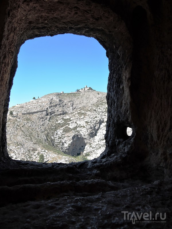 Бокайрент - древний город на скале. Старый город и пещеры мавров / Фото из Испании