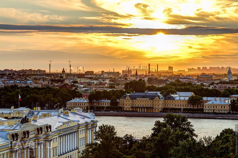 Теплое, яркое и солнечное. Лето в Питере / Фото из России