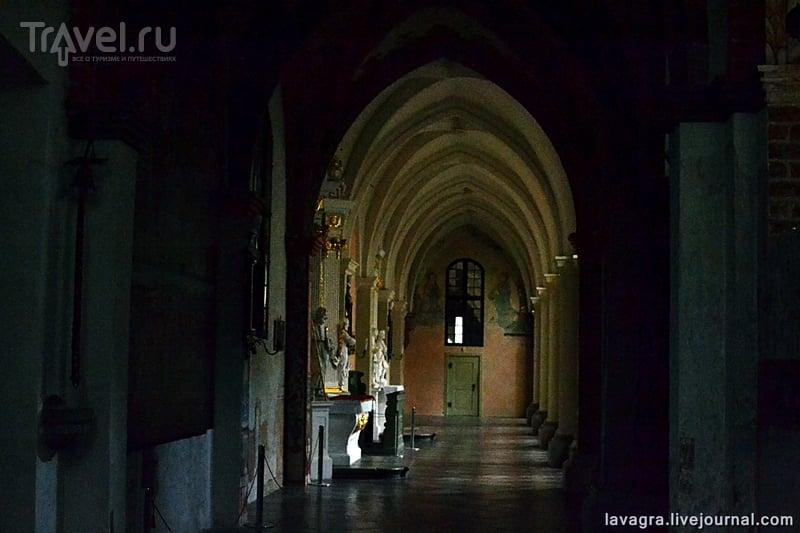 """Монастырь """"Рай"""" - от цистерцианских монахов и школы Гитлерюгента до семинарии и культурного центра / Фото из Польши"""