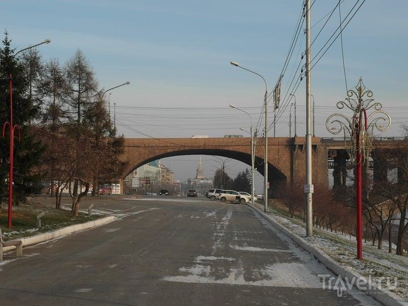 Красноярск - Город на великой реке. Город посреди хребтов / Россия