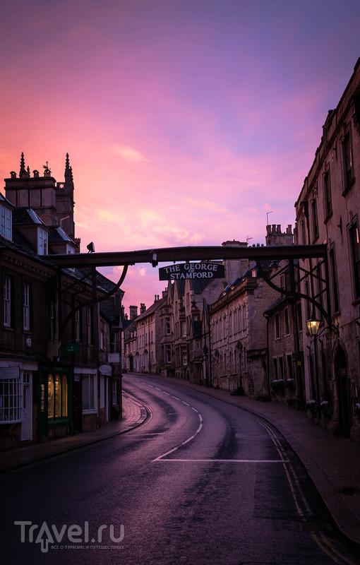 Стэмфорд - 92 мили от Лондона по пути в Эдинбург / Великобритания
