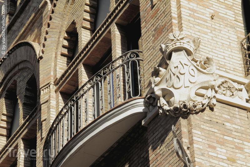 Барселонские балконы или не сыпь мне соль на попугая... / Фото из Испании