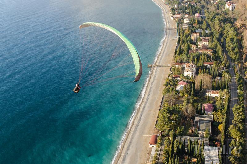 Полеты на парапланах в Абхазии / Россия