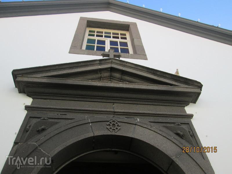 Городок Камара-де-Лобуш. Винные погреба. Мыс Кабо Жирао / Португалия