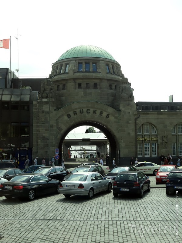 Гамбург: что можно увидеть, гуляя вдоль портовой набережной / Германия
