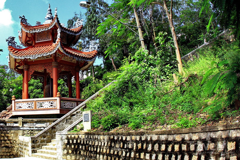 Пагода Long Son и Белый Будда в Нячанге / Фото из Вьетнама