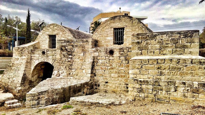 Резервуар Хаваузас: ещё один технический памятник Лимассола / Кипр