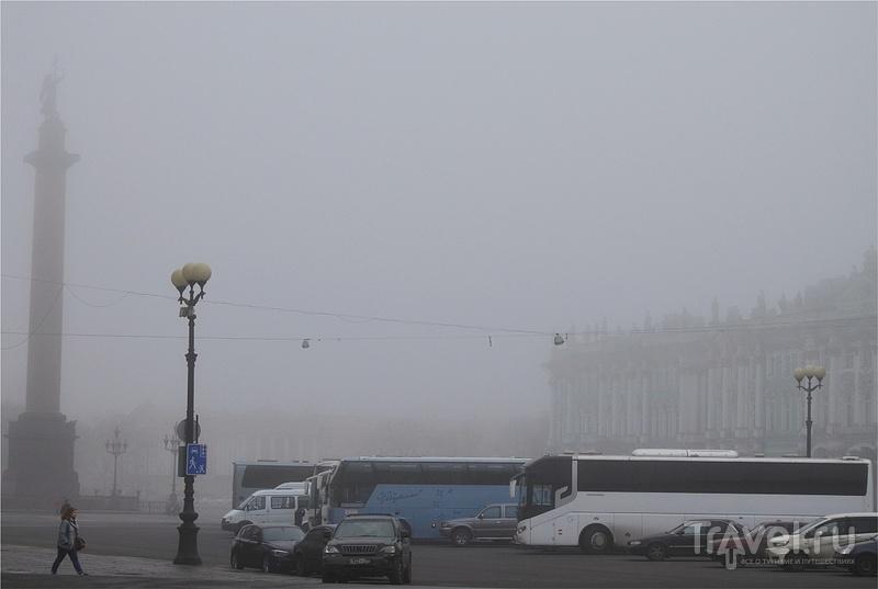 Санкт-Петербург. Дворцовая площадь и Зимний дворец / Россия