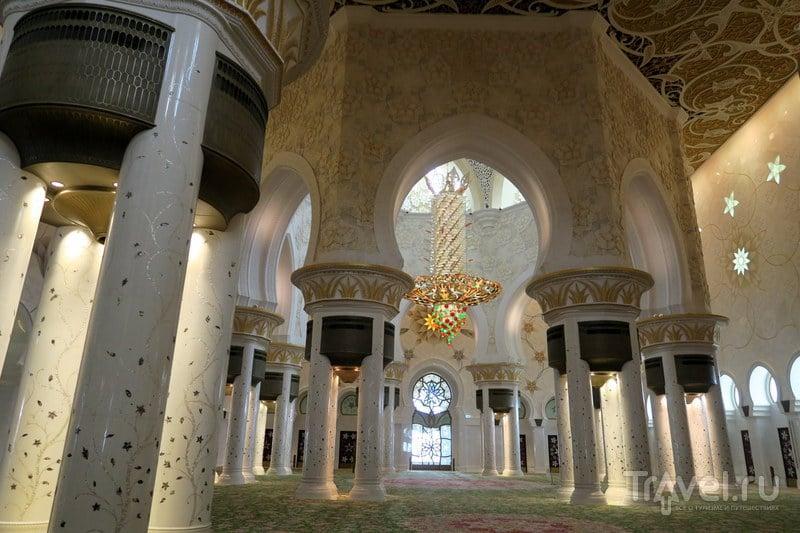 Белая мечеть Абу Даби / Фото из ОАЭ