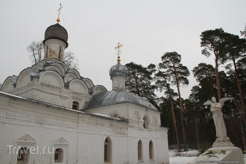Церковь Михаила Архангела в Архангельском / Россия