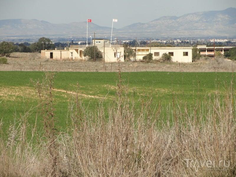 Вароша - знаменитый заброшенный район на бывшей линии войны между Северным и Южным Кипром / Кипр