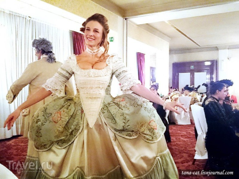Бал венецианского карнавала Il Minuetto в Hotel Danieli / Италия
