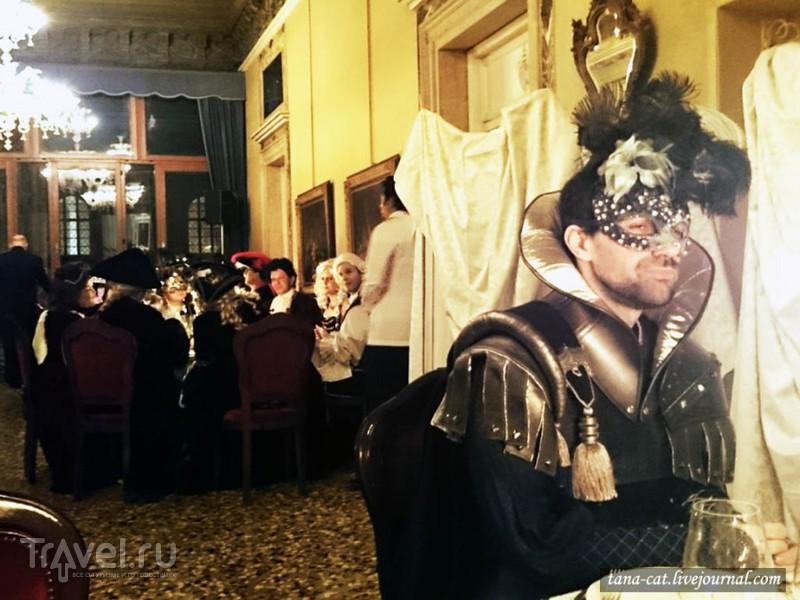 Бал венецианского карнавала в Palazzo Ca' Pesaro Papafava / Италия