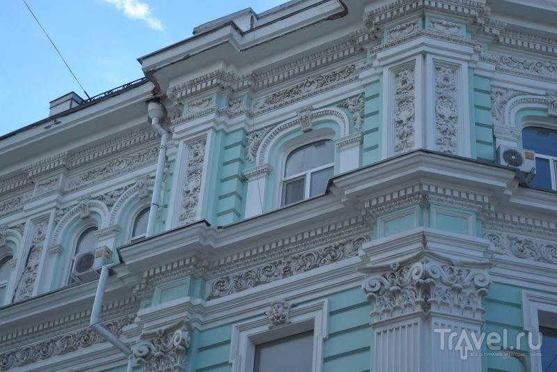 Элементы декора зданий на пер. Соборном / Фото из России