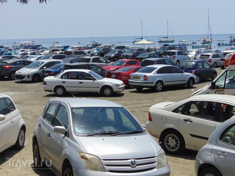 День всемирного потопа Κατακλυσμός (Катаклизмос) на пляже в Лимассоле / Кипр