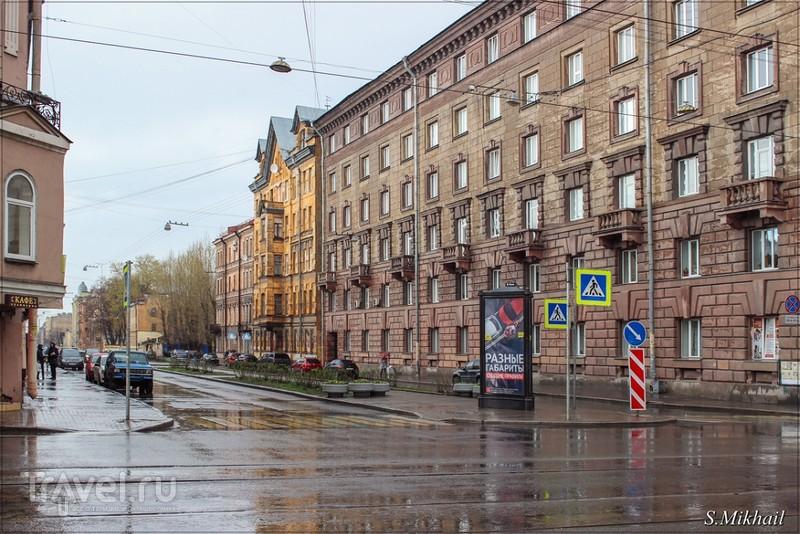 Средний проспект В.О. в районе метро Василеостровская / Россия