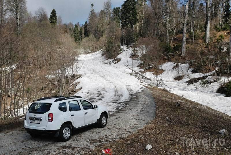 Конец проходимой дороги на гору Мамдзышху / Россия
