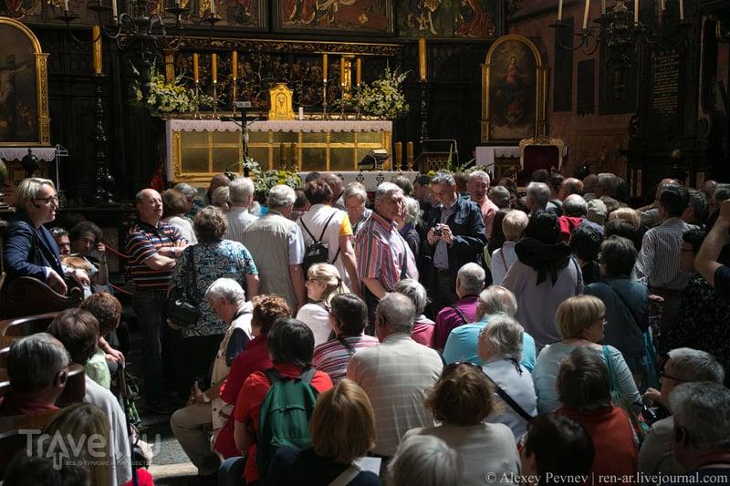 Крупнейший готический алтарь Европы. Мариацкий костел. Краков / Фото из Польши
