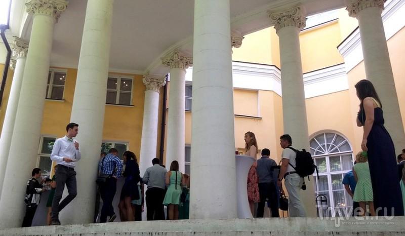 По старым усадьбам. Дворец Дурасова / Россия