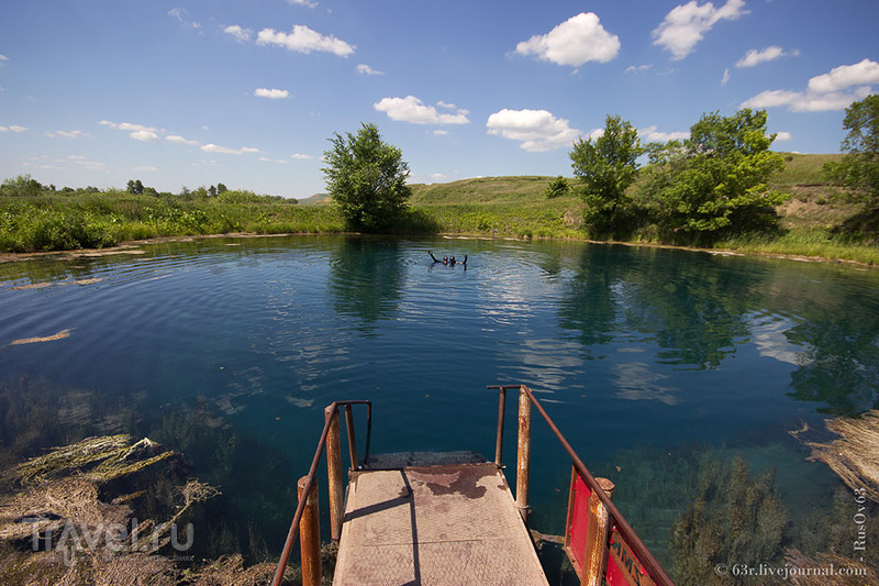 Прозрачная мертвая вода. Голубое озеро / Россия