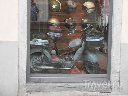 Бергамо - из верхнего города в нижний / Италия