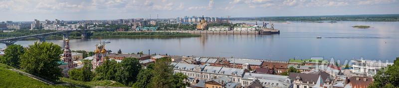Старыми улицами Нижнего Новгорода / Россия