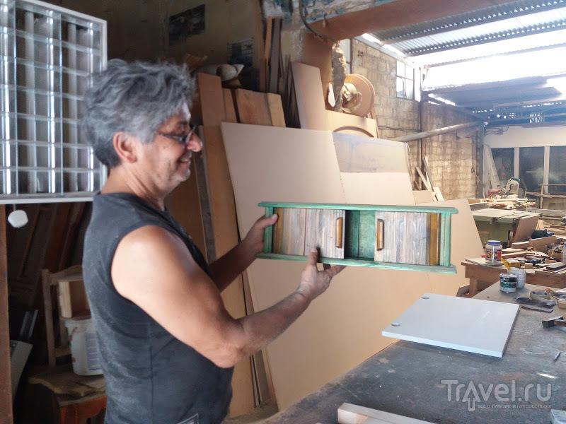 Пеликан, который не пеликан: визит в кипрскую классическую столярную мастерскую / Кипр