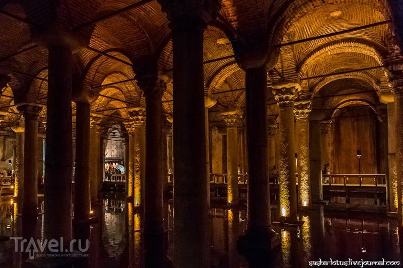 Затонувший дворец в центре Стамбула / Фото из Турции