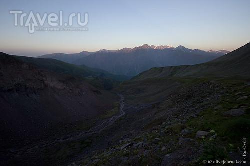 Дорога к Гергетинскому леднику. Путь на Казбек / Грузия