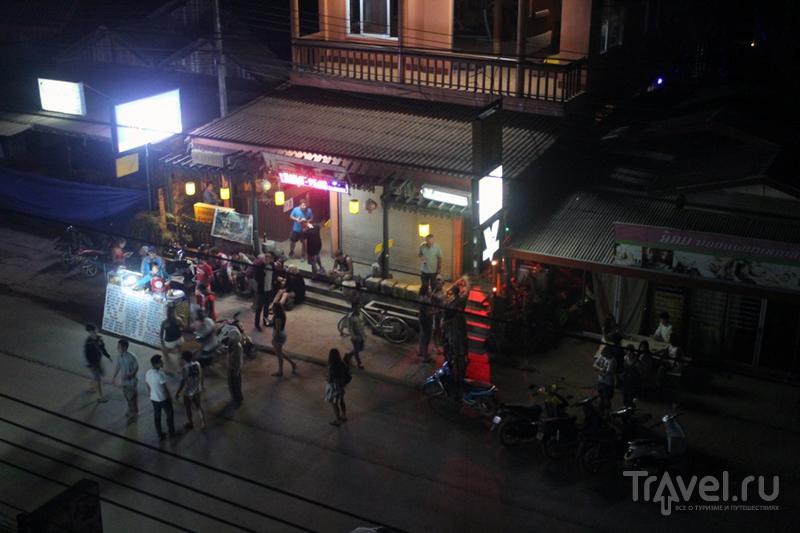 Лаос: Вангвьенг - бывший алкокурорт / Лаос