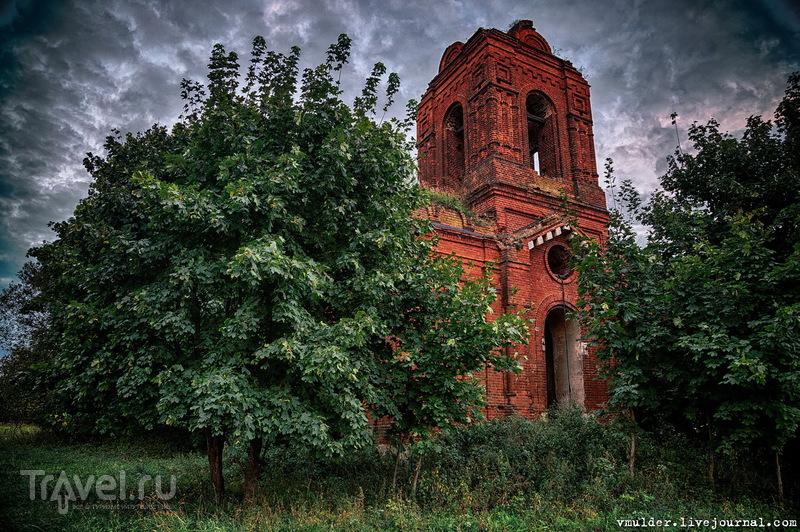 Церквушка на курьих ножках / Россия