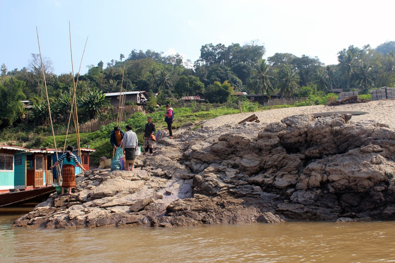 Лаос: круиз по Меконгу / Лаос
