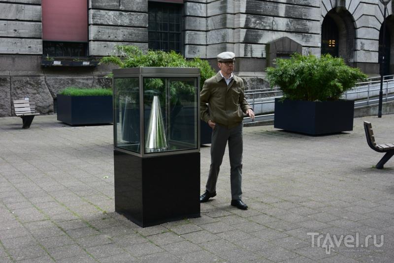 """Скульптуры Роттердама. Никогда не поздно сказать """"Прости"""" / Нидерланды"""