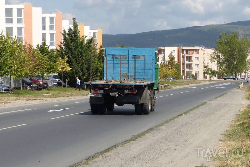 Автопарк советского периода / Фото из Болгарии