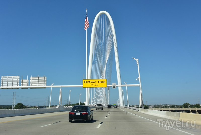 Даллас. Программа - Кеннеди и пионерская избушка / США