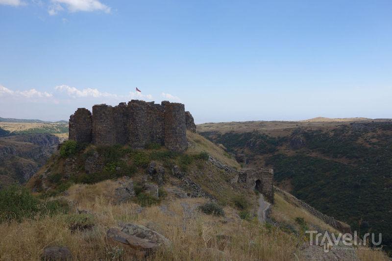 Армения. Крепость Амберд, собор Аруч и караван-сарай / Армения