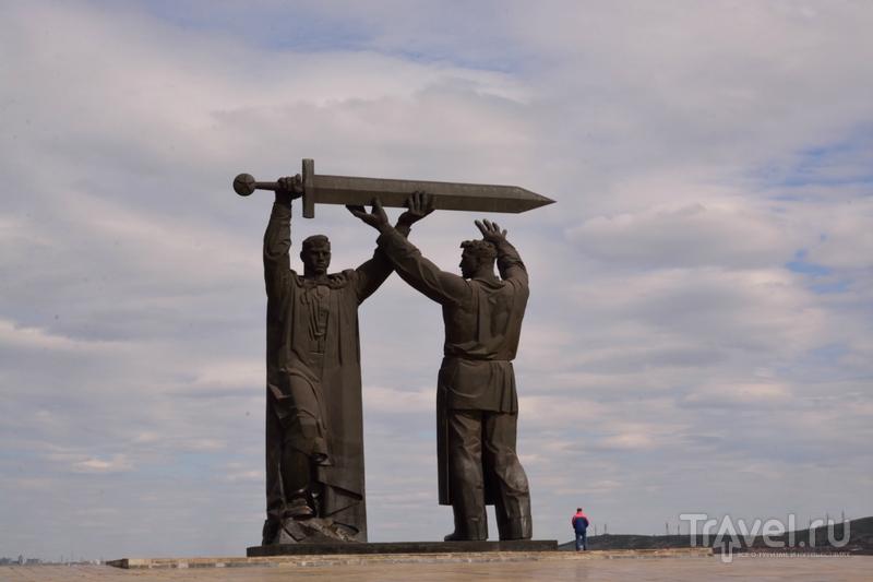 Один из трёх, или история Великого замысла / Россия