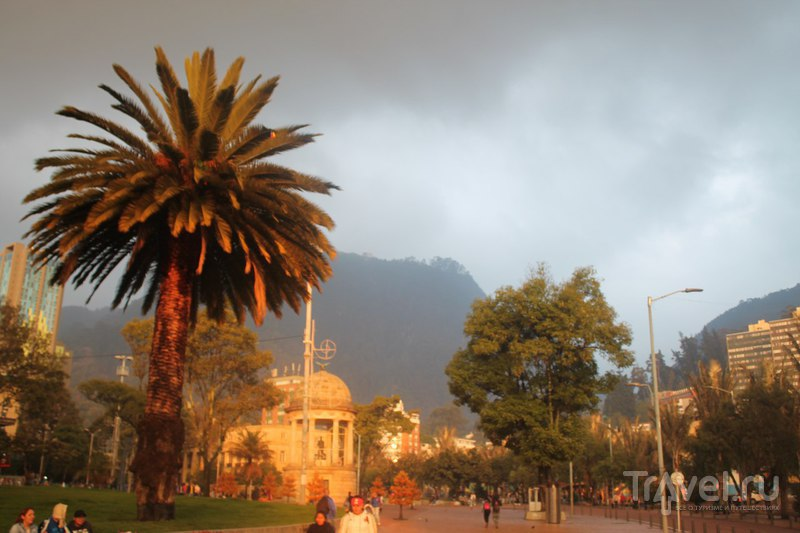 Богота. После заката / Колумбия