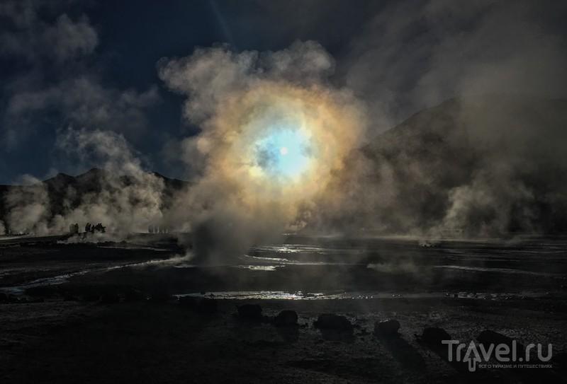 Рассвет в долине гейзеров  El Tatio, Chile / Фото из Чили