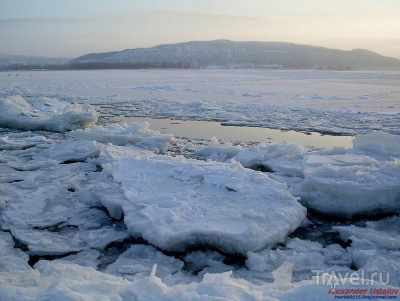 Лёд на Волге / Россия