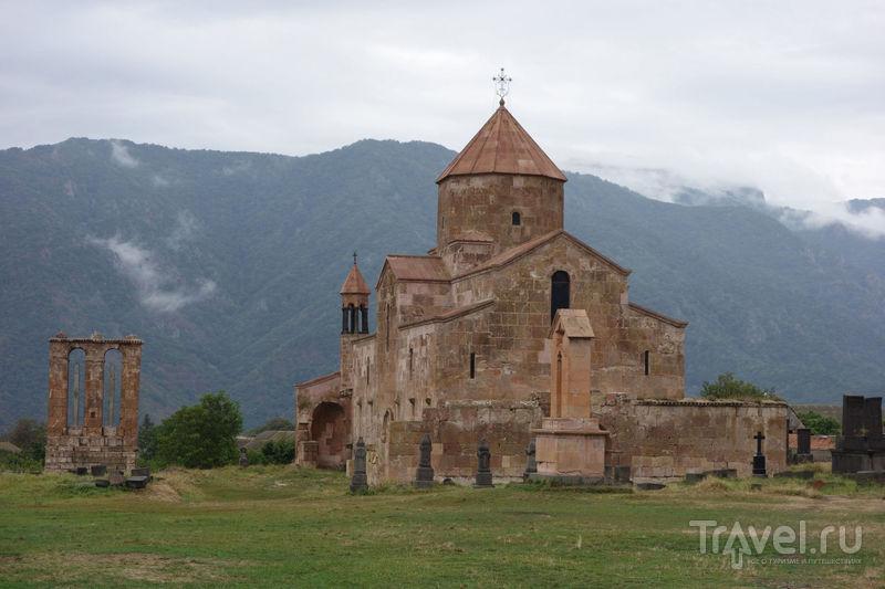 Одзунский храм, монастырь Оромайр и крепость Лори-Берд / Фото из Армении
