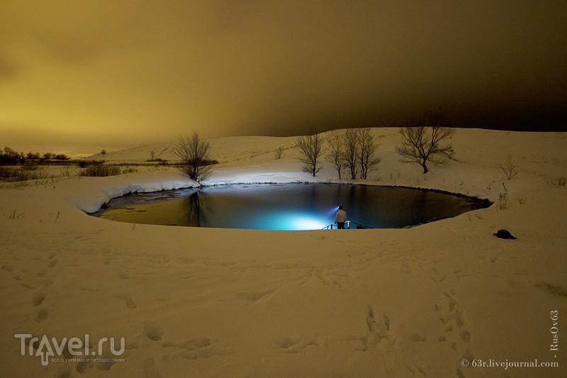 Белое на белом. Голубое озеро зимой / Фото из России