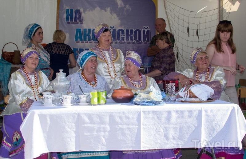 Казачки за столом / Фото из России