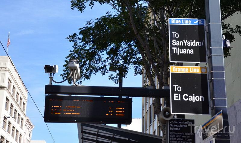 Указатель остановки в Сан-Диего / Фото из Мексики