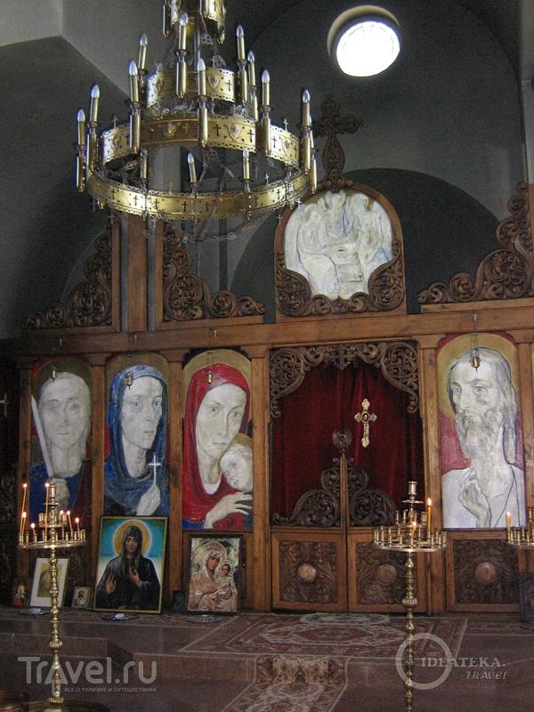 Интерьер церкви у дома пророчицы Ванги в Рупите / Фото из Болгарии
