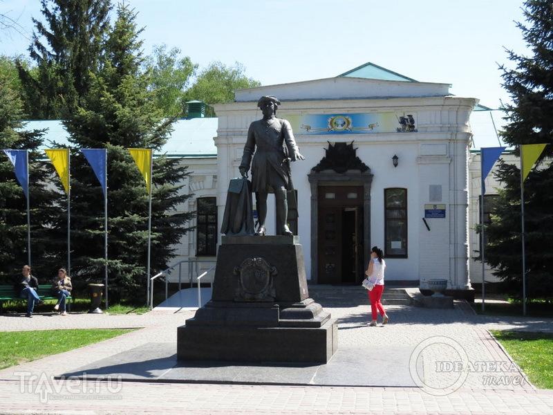 Памятник Петру I перед музеем Полтавской битвы / Фото с Украины