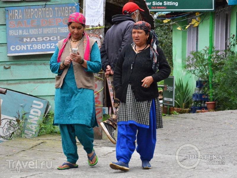 Женщины в шальвар-камисах / Фото из Индии